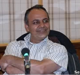 Jailed Iranian journalist Ahmad Zeidabadi awarded UNESCO press freedom prize