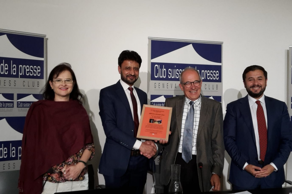 Afghanistan Journalists Center receives PEC 2019 International Press Freedom award